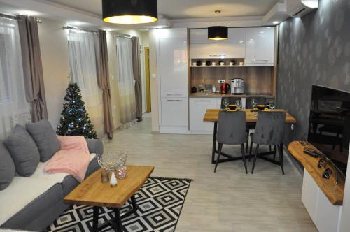 . Aria lux Apartment