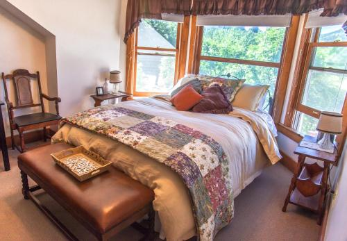 Bross Hotel B & B - Paonia, CO 81428