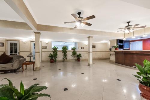 Ramada by Wyndham San Diego Airport - San Diego, CA CA 92106