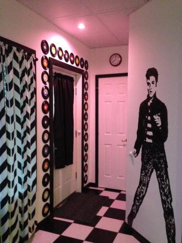 Swan Song Inn - Accommodation - Marshfield