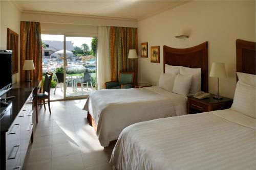 Poolside Premium Room with King or 2 Double Beds