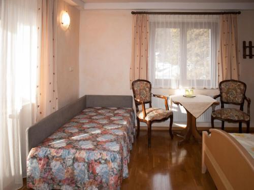 Pension Handle - Accommodation - Kramsach