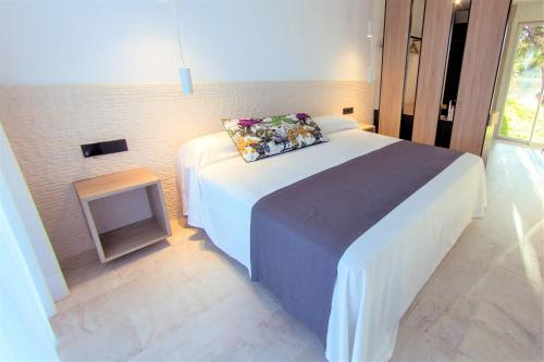 Deluxe Double or Twin Room with Sea View Botaniq Hotel Boutique 2