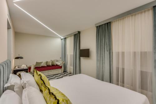 Otivm Hotel - image 5