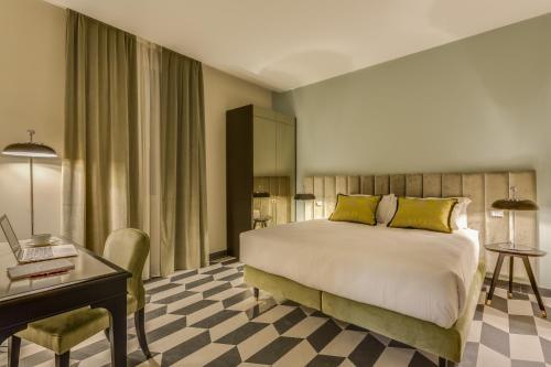 Otivm Hotel - image 7