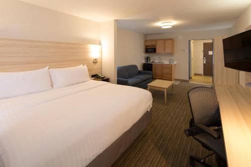 Holiday Inn Express & Suites - Portage - Portage, IN 46368