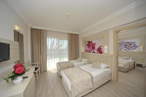 Side Corolla Hotel fiyat