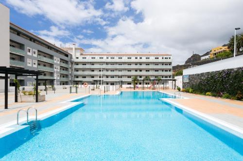 Luminoso y moderno apartamento con vistas al mar