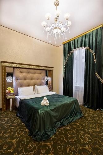 Hotel Empire - image 5