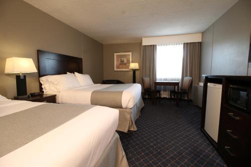 Travelodge Hotel by Wyndham Medicine Hat - Medicine Hat, AB T1A 5E5