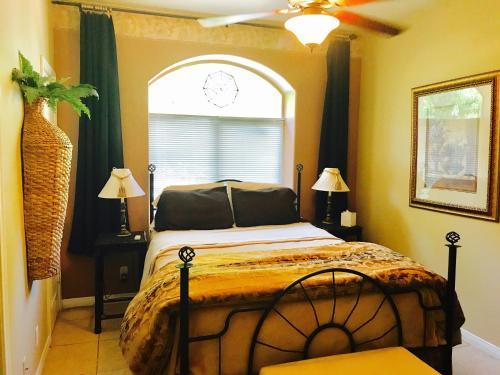 Pa'Rus Room At The Desert Thistle Inn