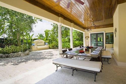 Villa Carlotta - Miami, FL 33143