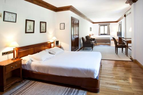 Superior Double Room (4 adults) Hotel Yoy Tredòs 21