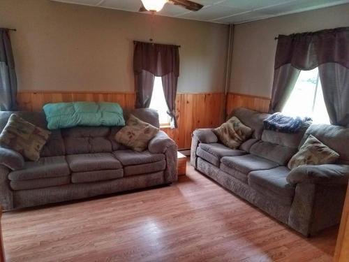 5 Bedroom Home - Jackman, ME 04945