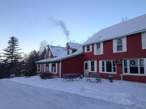 The Vermont Inn - Accommodation - Mendon