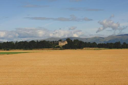 Airth, Stirlingshire FK2 8JF, Scotland, United Kingdom.