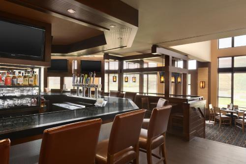 DoubleTree by Hilton Bradley International Airport - Windsor Locks, CT CT 06096