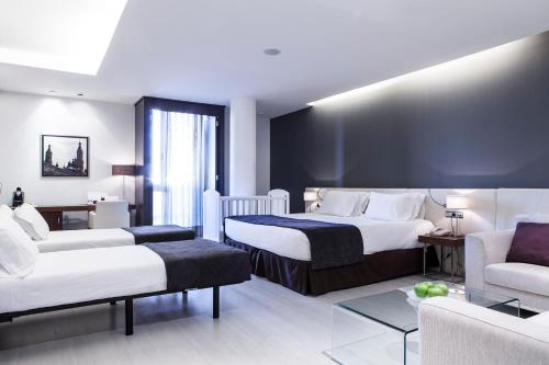 Hotel Diagonal Plaza room photos