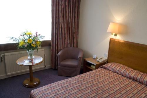 Airport Hotel Manchester picture 1 of 39
