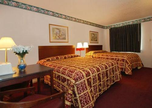 Econo Lodge San Marcos Double Room with Two Double Beds - Non-Smoking