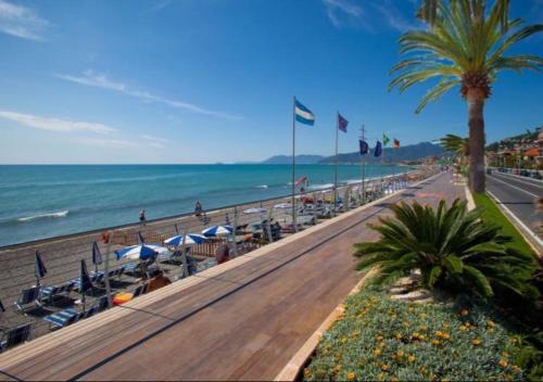 Albergo Albatros Hotel (Pietra Ligure) from £41 ...