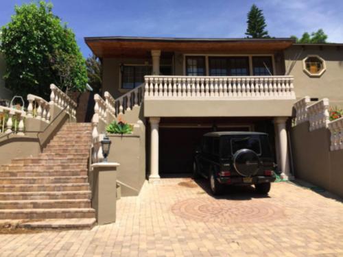 Charming Beach House Pacific Palisades - Pacific Palisades, CA 90272