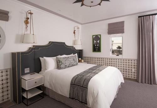 Hotel Californian - image 9