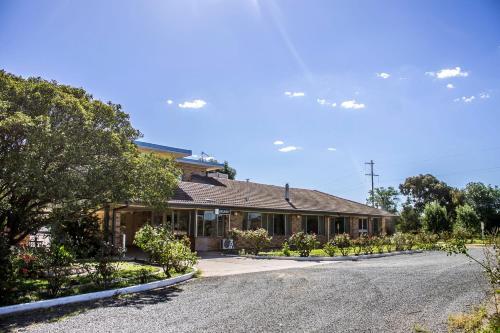 . Allonville Gardens Motel