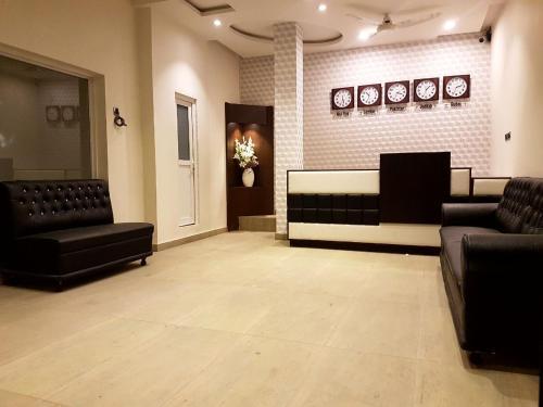 . Khayyam Hotel