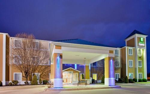 . Baymont by Wyndham Kirksville University Area
