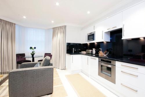 Claverley Court Apartment Knightsbridge photo 25