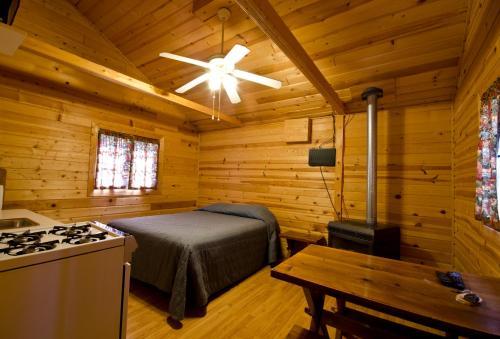 Ten Sleep Cabin - Lead, SD 57754
