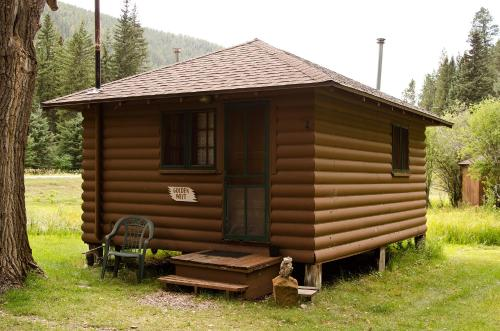 Goldenwest Cabin - Lead, SD 57754