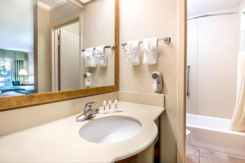 Days Inn & Suites by Wyndham Albuquerque North - Albuquerque, NM NM 87109