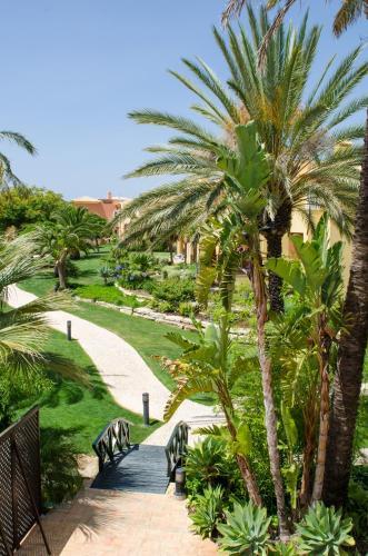 Jardim Da Meia Praia Resort - Photo 8 of 41