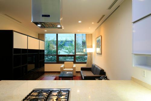 No House Keeping Service - Three-Bedroom Deluxe Apartment (4 Adults)