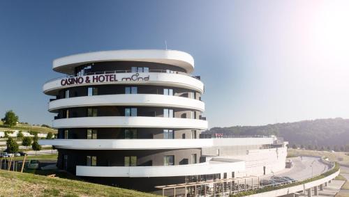 Mond Casino & Hotel