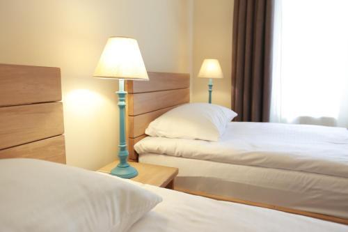 Фото отеля Midtown Hotel & Hostel