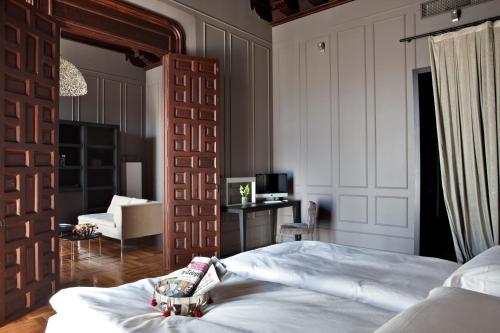 Suite Hotel Palacio De Villapanés 35