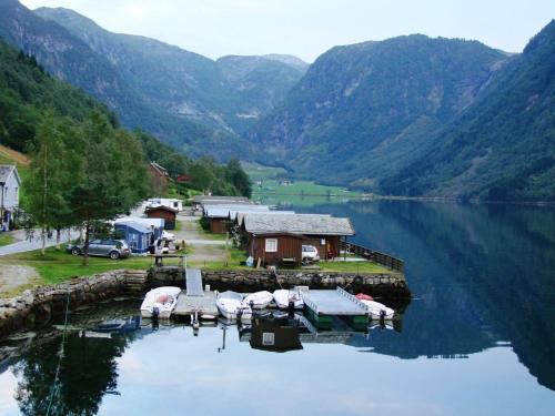 . Nesheim Hytter & Camping