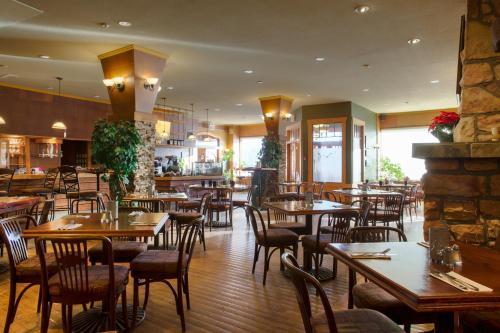 Astoria Hotel - Jasper, AB T0E 1E0