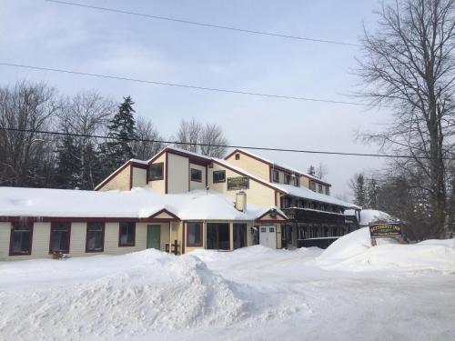 Butternut Inn And Pancakehouse