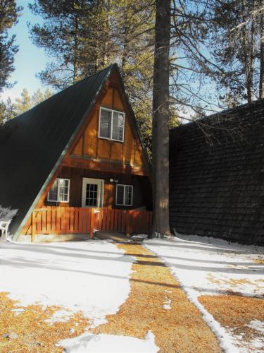 . Eagle Crater Lake Inn