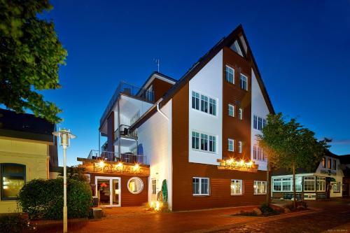 . Bernstein-Hotel Bootshaus