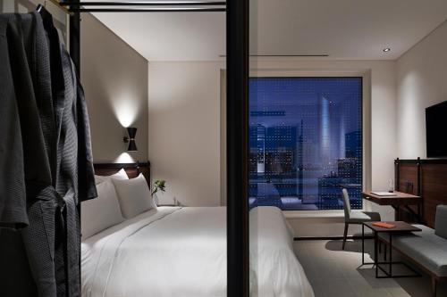 Form Hotel Dubai, A Member Of Design Hotels™ - Photo 4 of 97