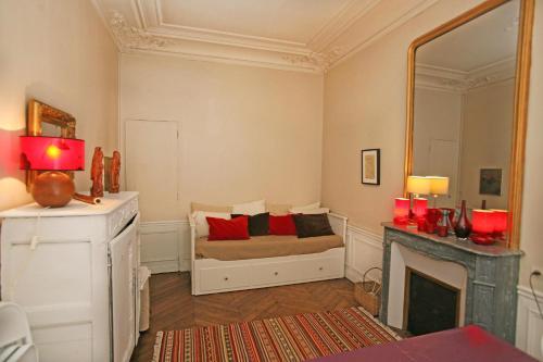 Large 2 Bedrooms Latin Quarter (338) photo 19