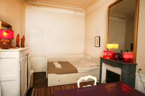 Large 2 Bedrooms Latin Quarter (338) photo 35