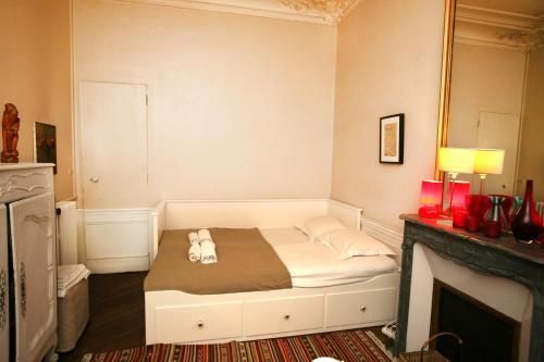Large 2 Bedrooms Latin Quarter (338) photo 36