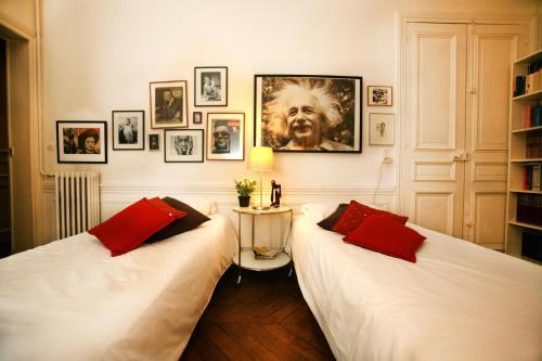 Large 2 Bedrooms Latin Quarter (338) photo 38