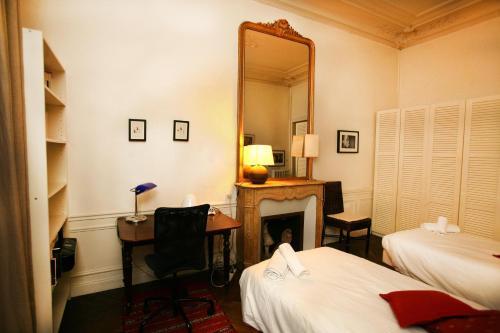 Large 2 Bedrooms Latin Quarter (338) photo 39